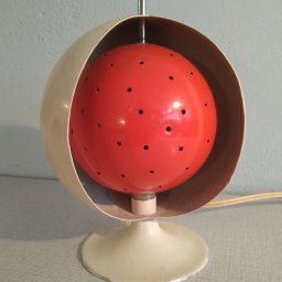 Space age bollamp